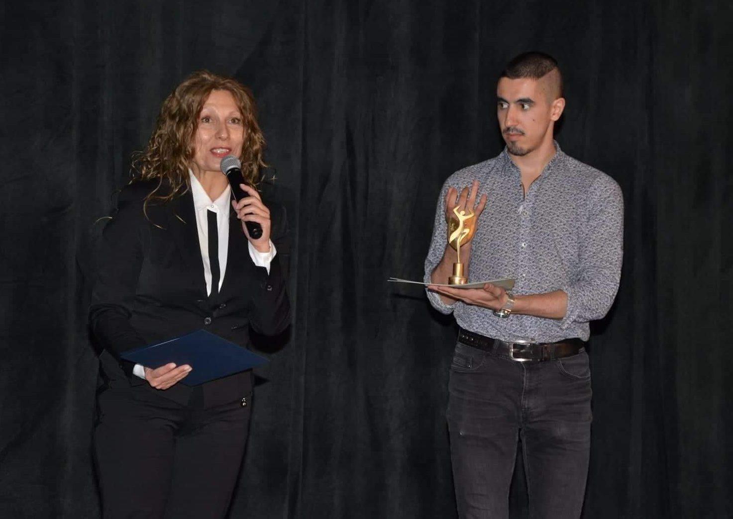 Наградата на кмета на Община Разград бе връчена за авт� ...