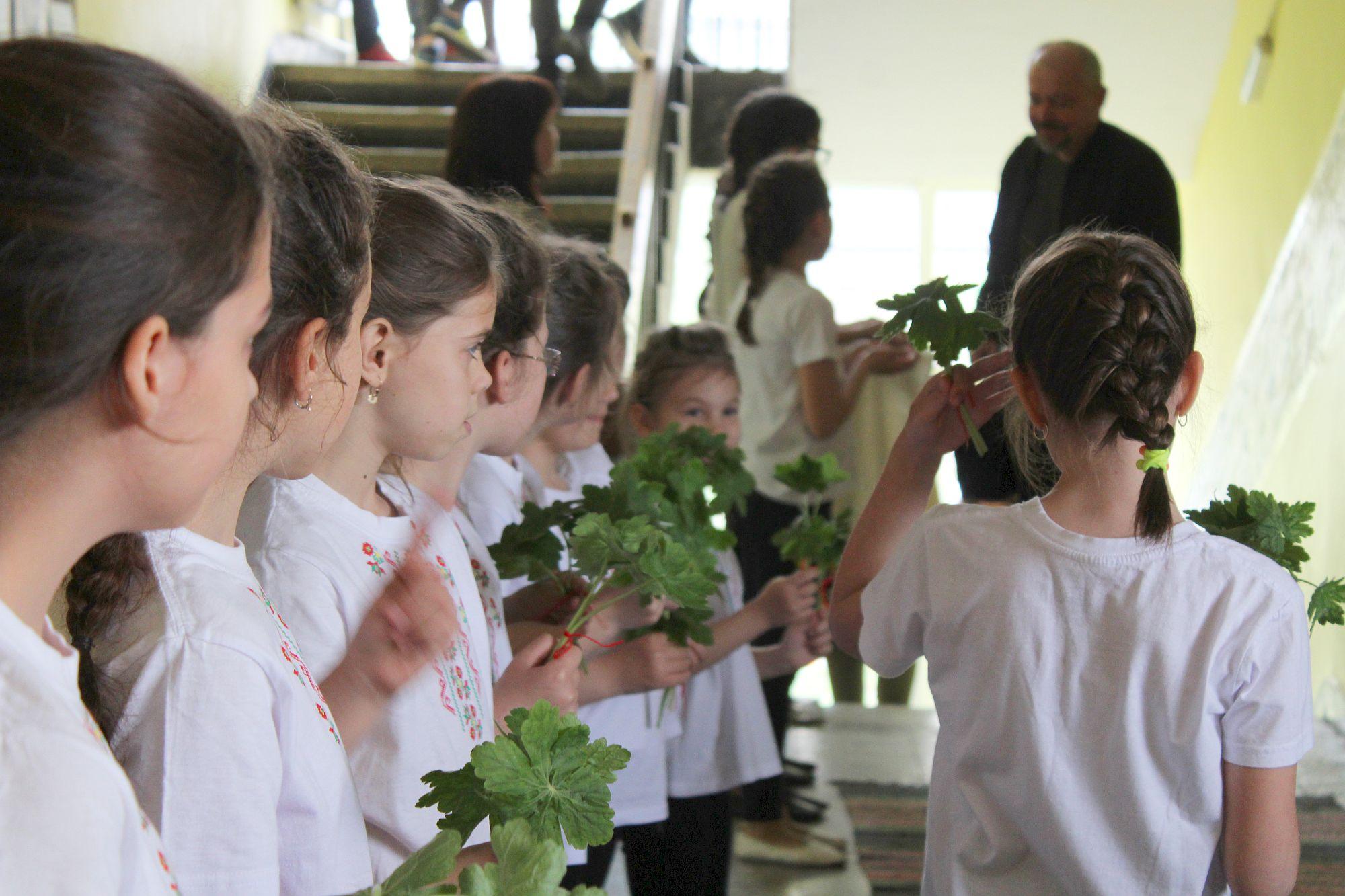 """Форум """"Училището – възпитание в традиции и ценности"""" ..."""