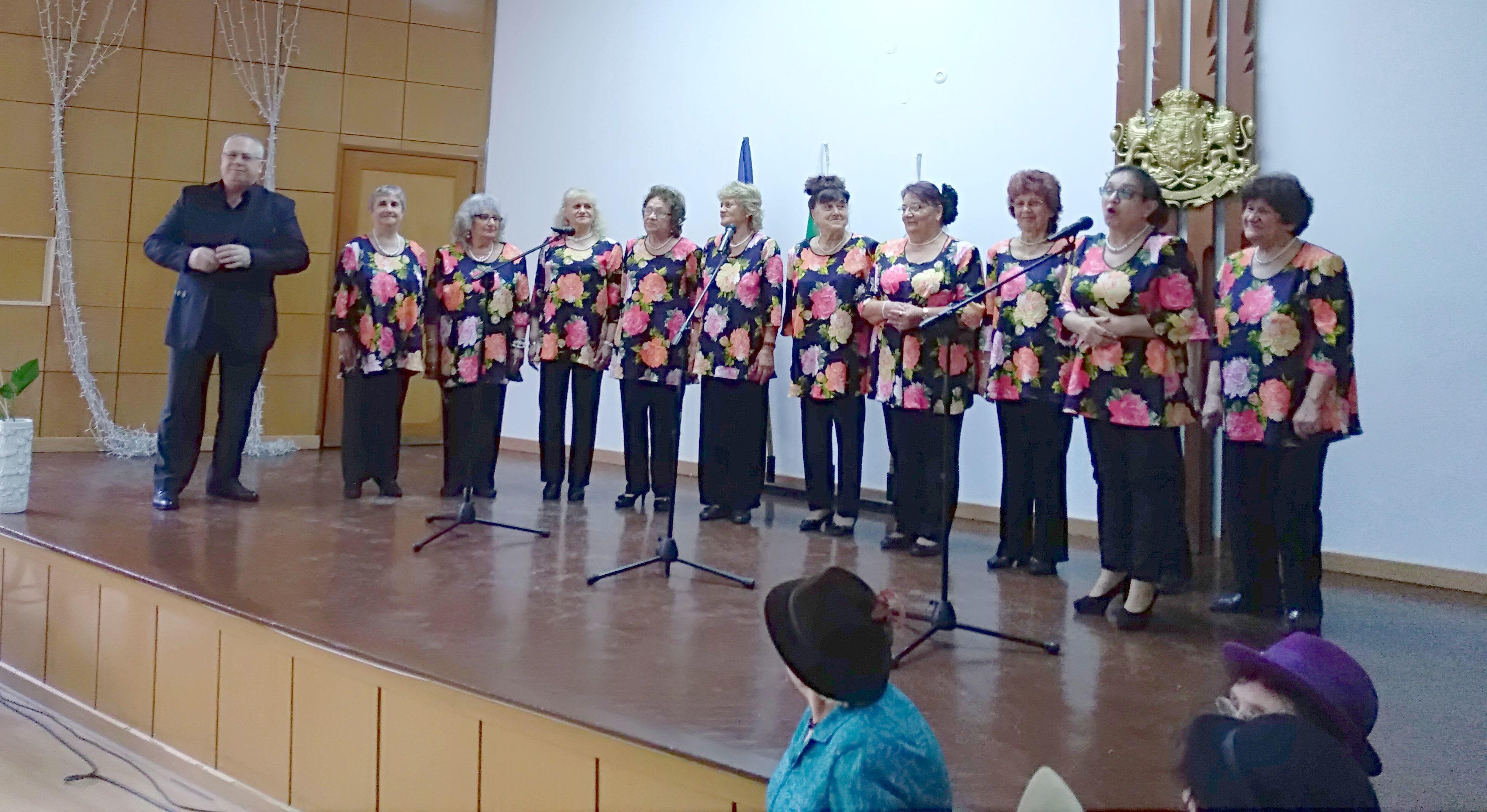 """Годишен концерт с аромат на липи на група """"Лудогорски  ..."""