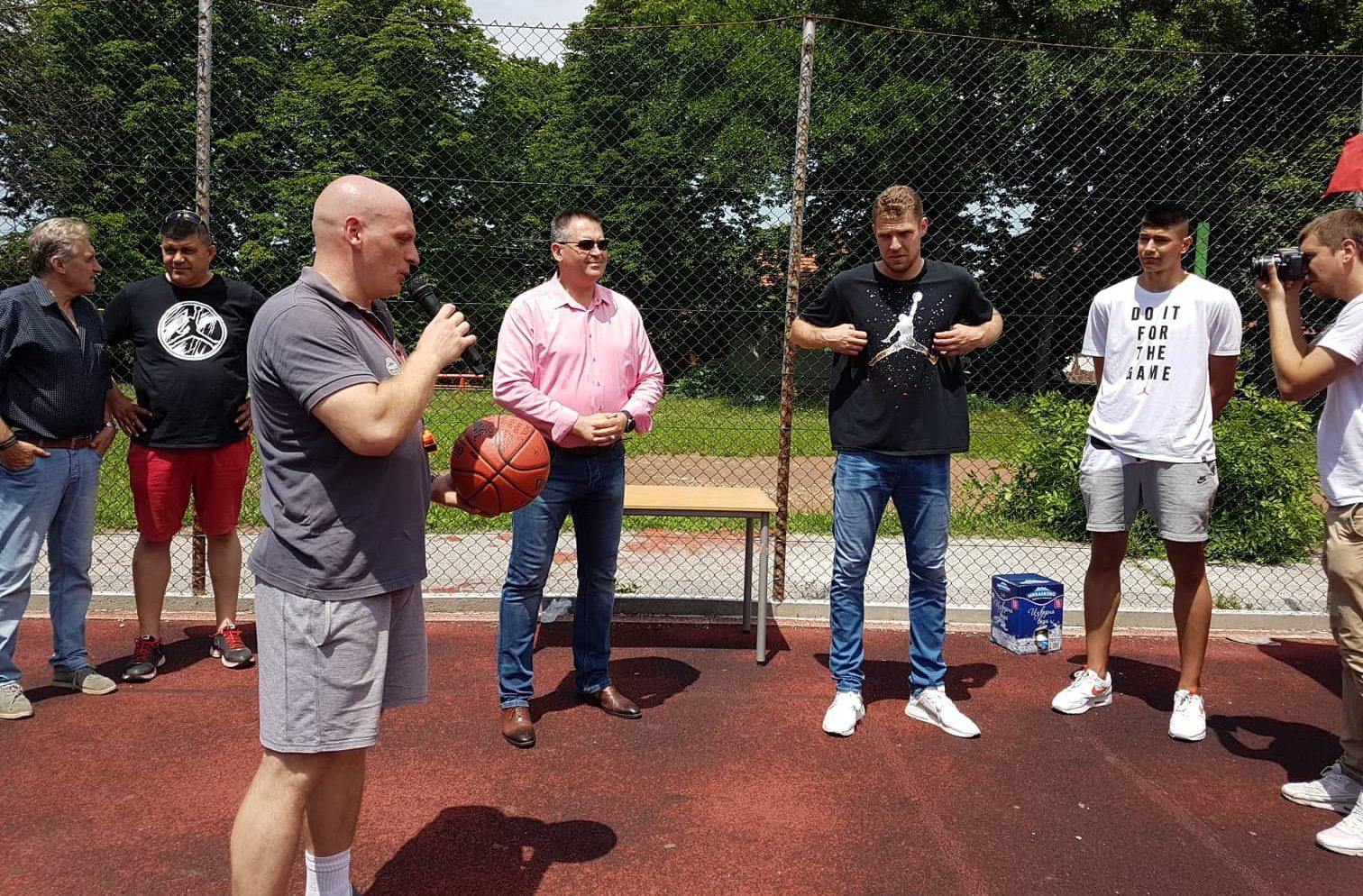 Баскетболната звезда Алекс Везенков – специален го� ...