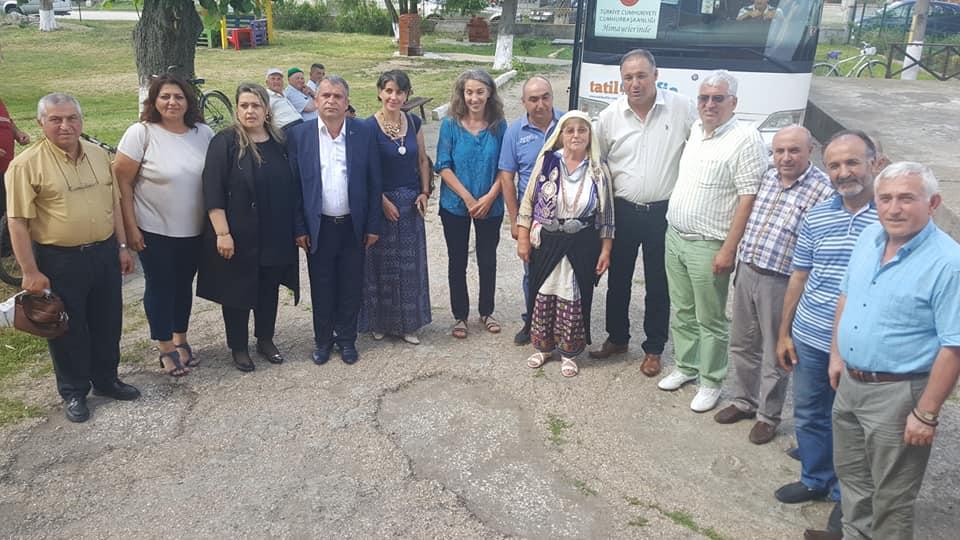 """Фолклорната група по Семах към Клуб """"Алиана""""- Бисерци ..."""