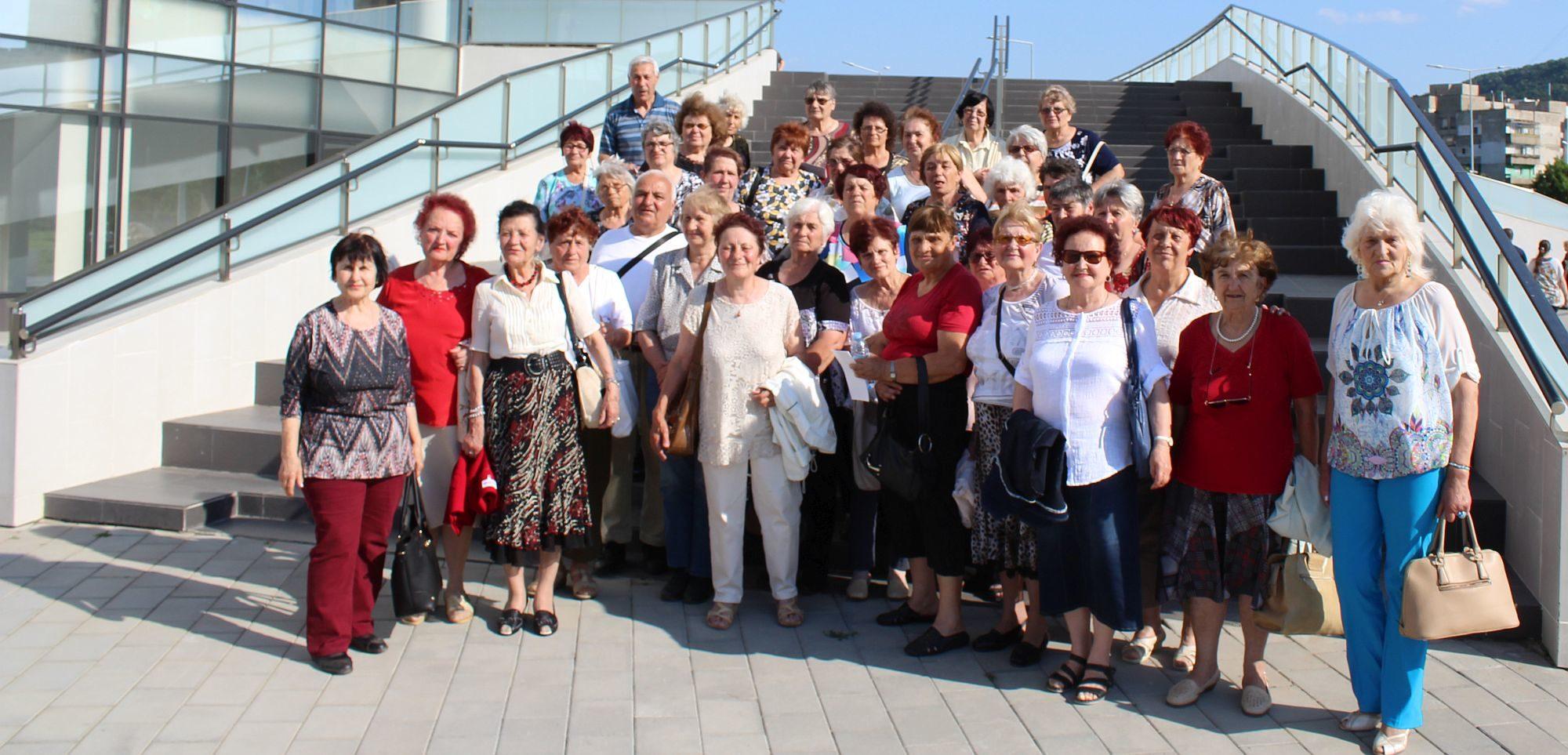 """40 пенсионери от Разградско участваха в кампанията """"За ..."""