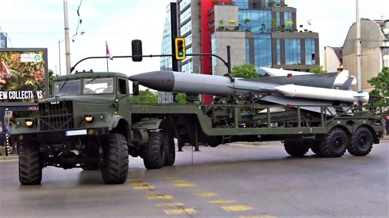 Колони с военна техника ще затруднят движението в Разг ...