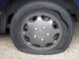 Мъж наряза гумите и счупи двете странични огледала  на  ...