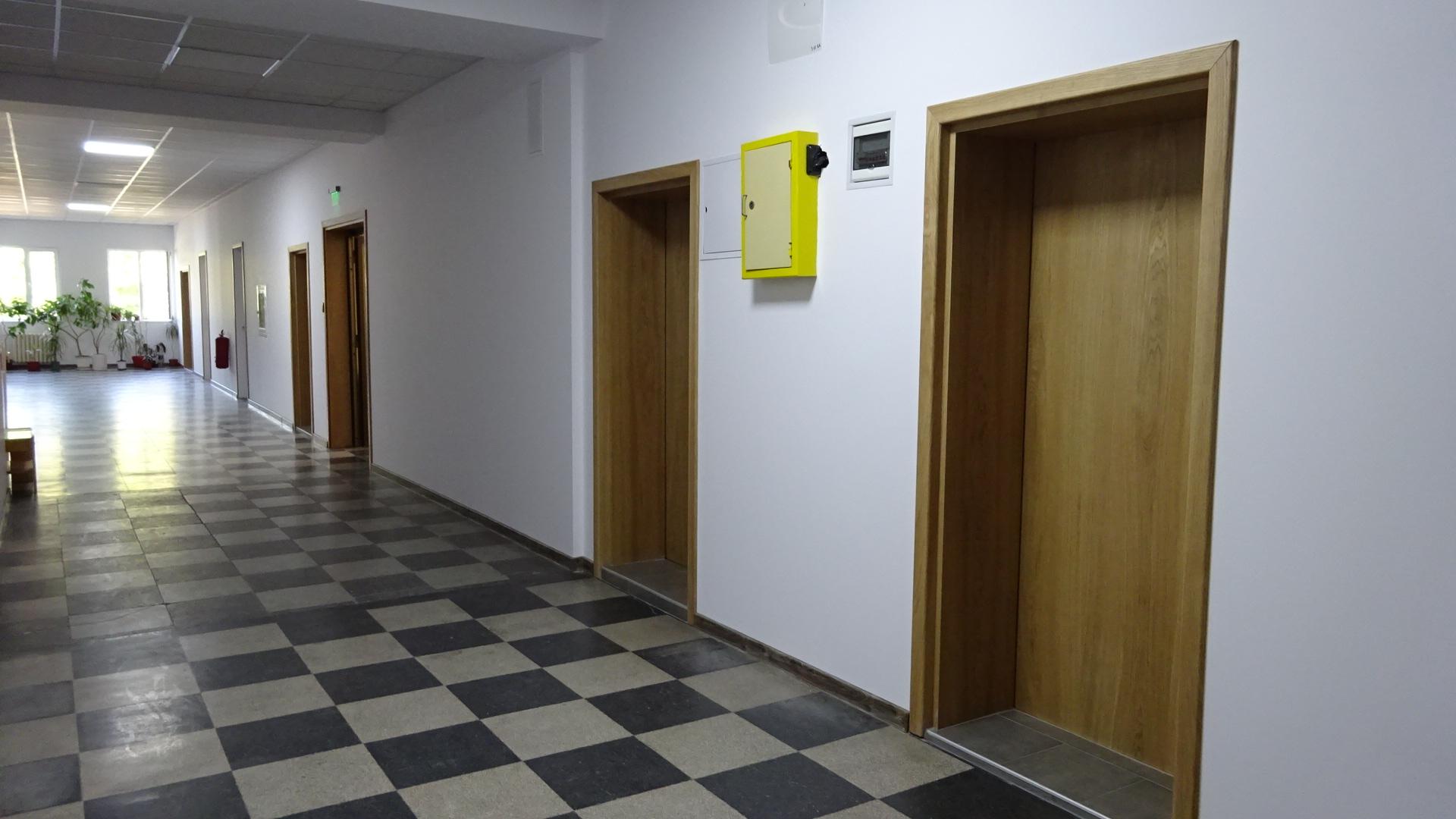 Приключи ремонтът на втория етаж в Окръжен съд Разград ...