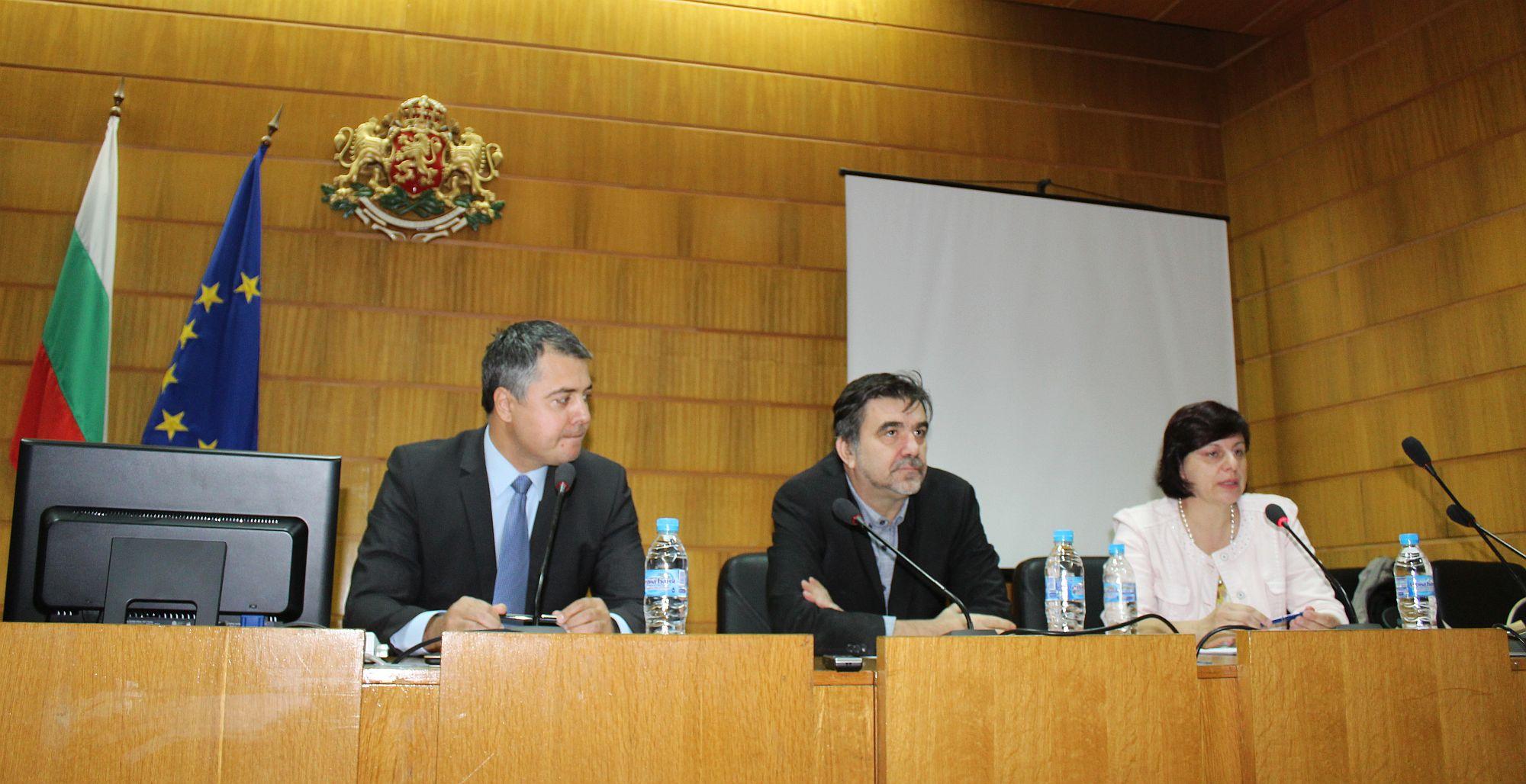 Главният секретар на Областна администрация Михаил То ...