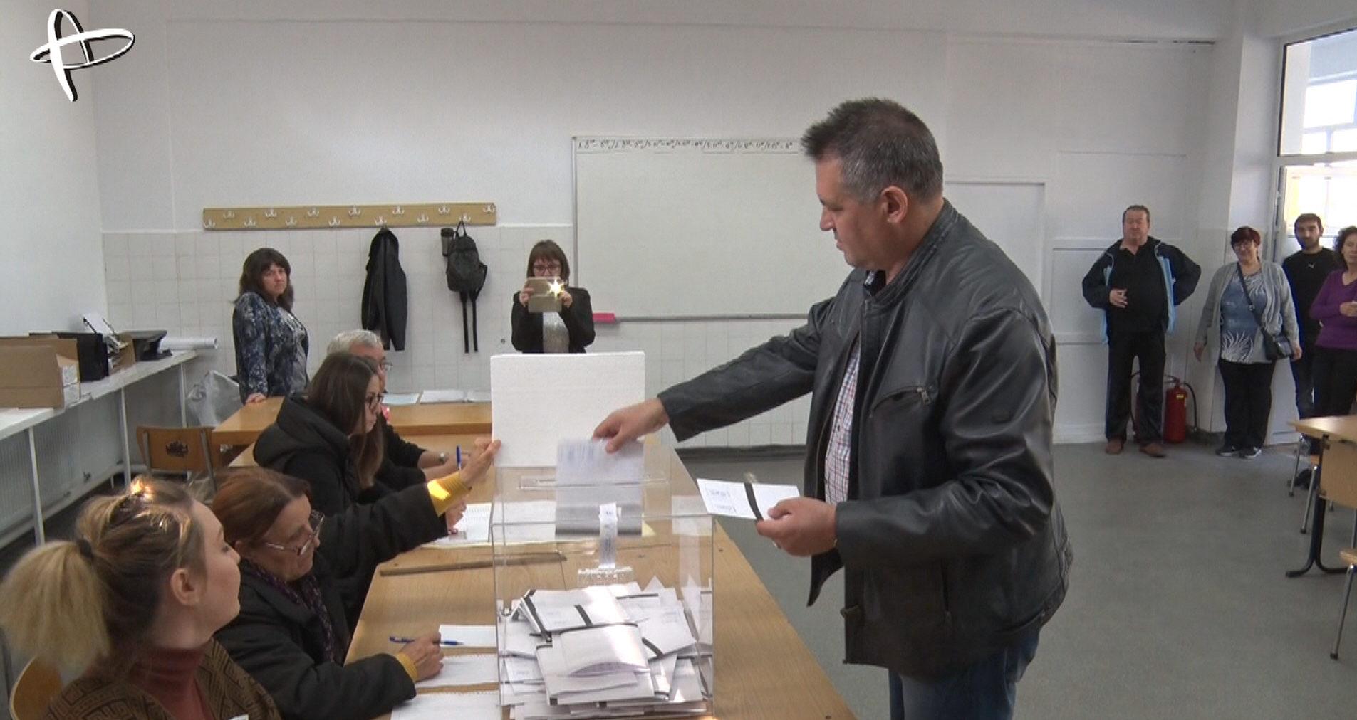 Всички кандидати за кмет на Разград заявиха, че гласув� ...