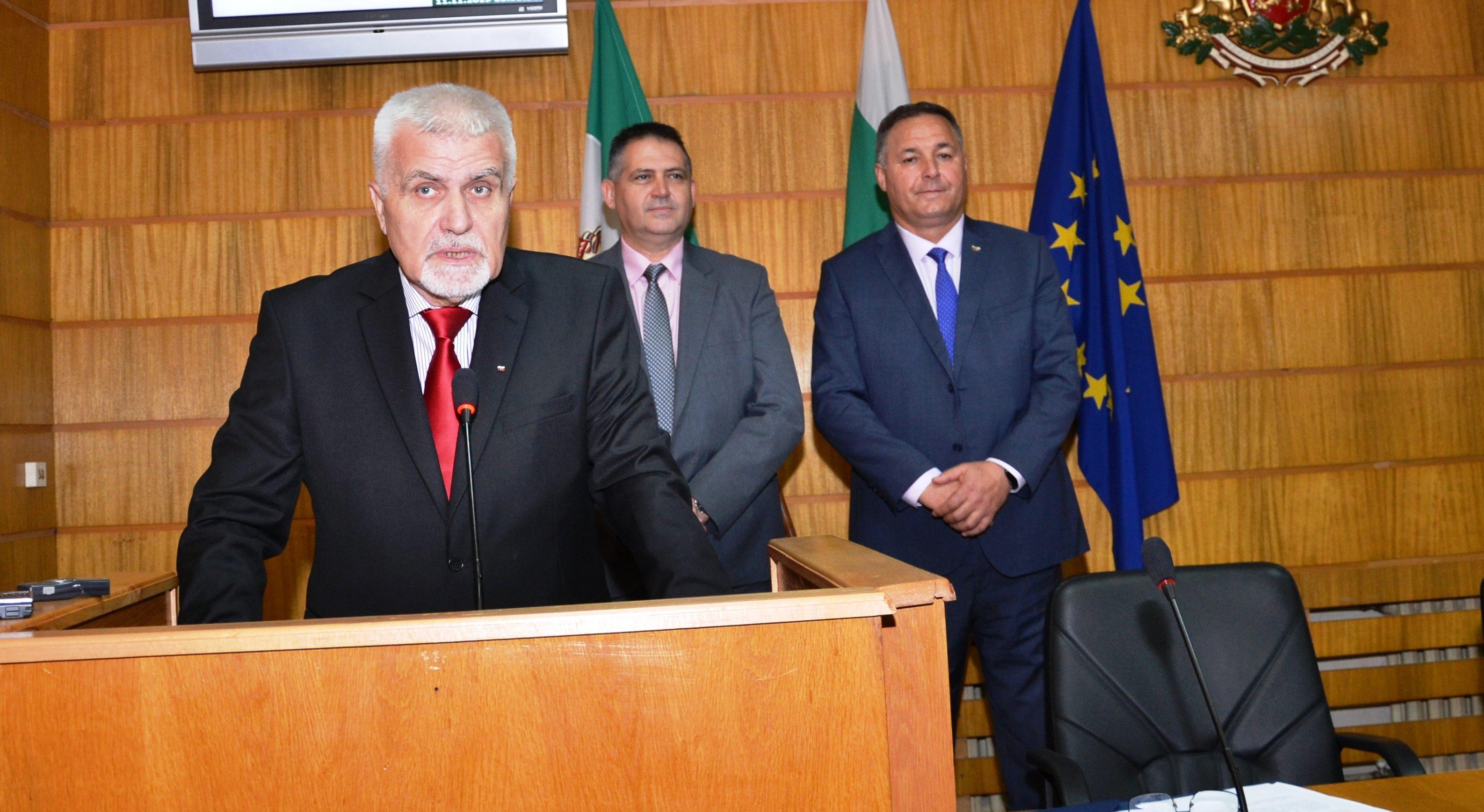 Новоизбраният кмет Денчо Бояджиев положи клетва, а Сто ...