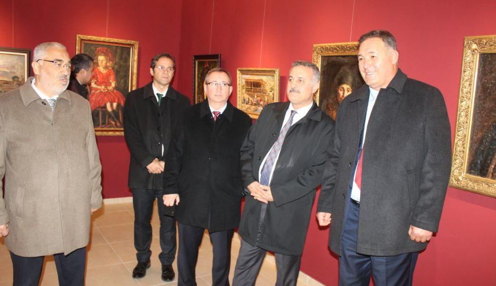 Областният управител Гюнай Хюсмен посрещна делегация  ...