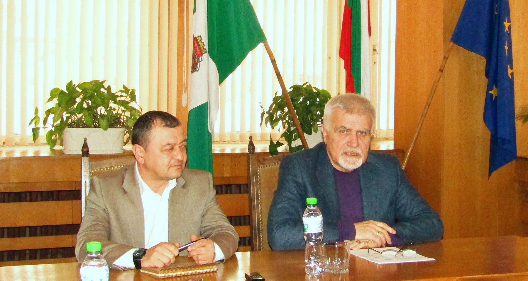 Кметът Денчо Бояджиев представи новата структура на О� ...
