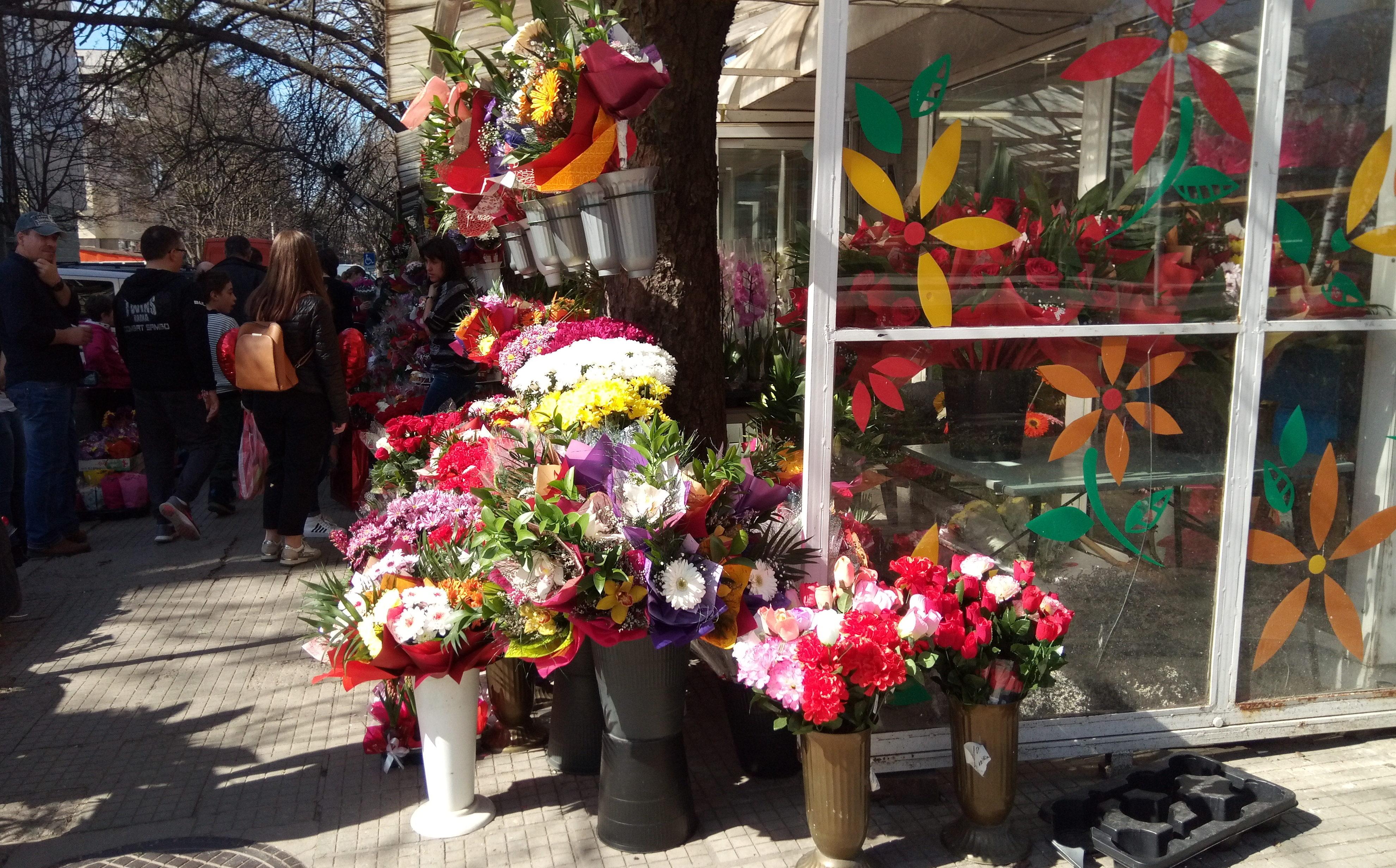 Цветята остават най-предпочитани за подарък на 8-и март ...