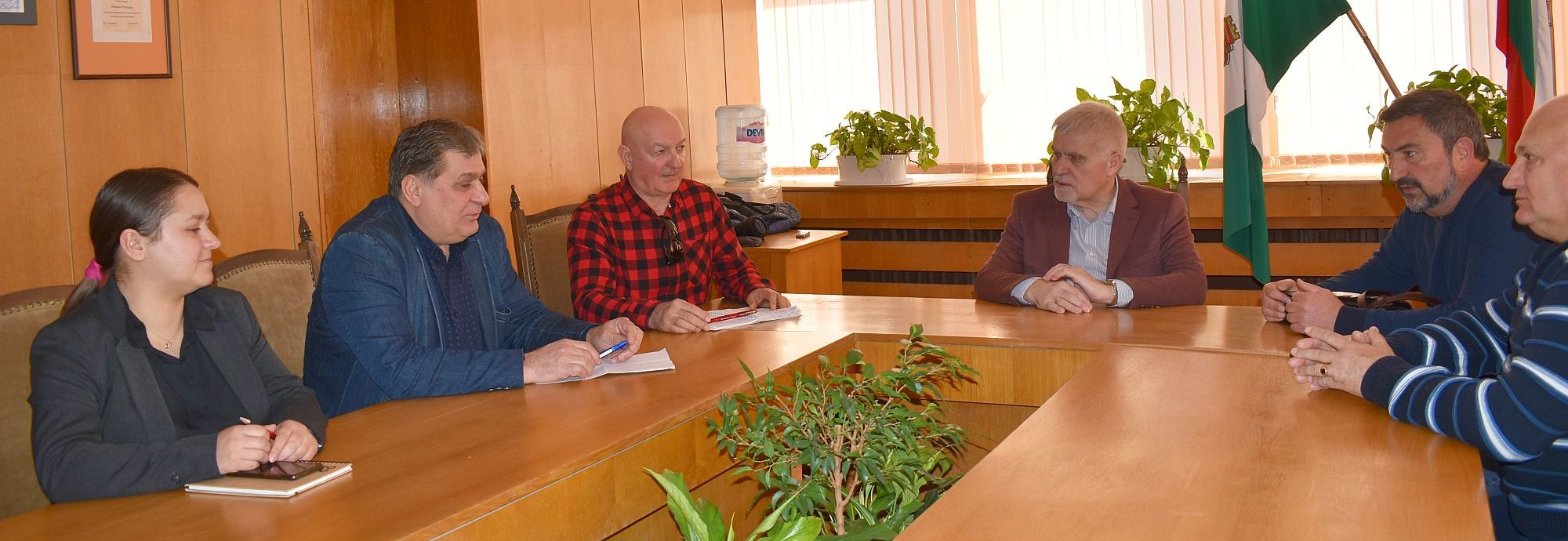 Кметът Денчо Бояджиев се срещна с Организационния ком� ...