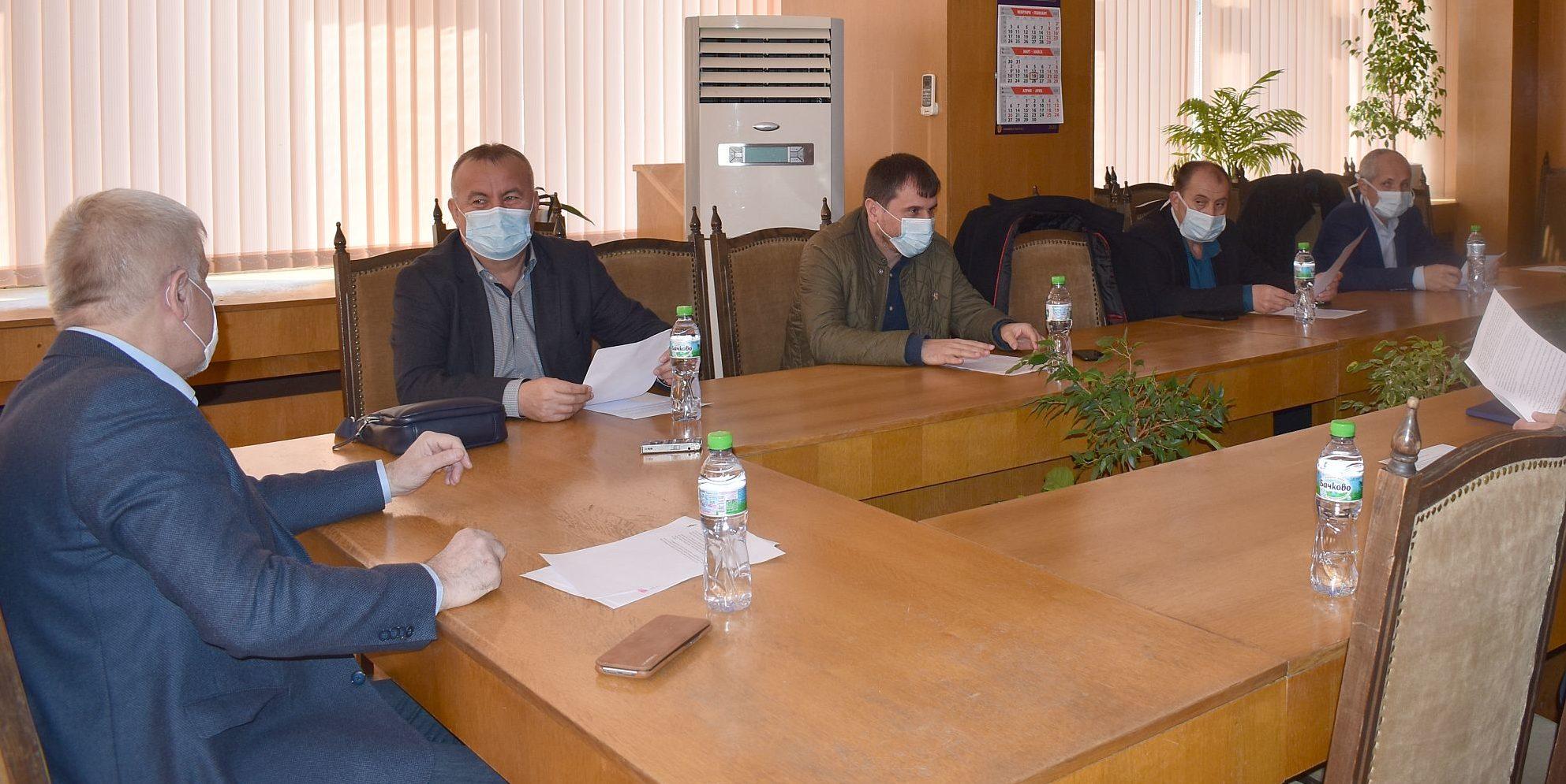 Кметът Денчо Бояджиев откри и ръководи заседание на  О� ...