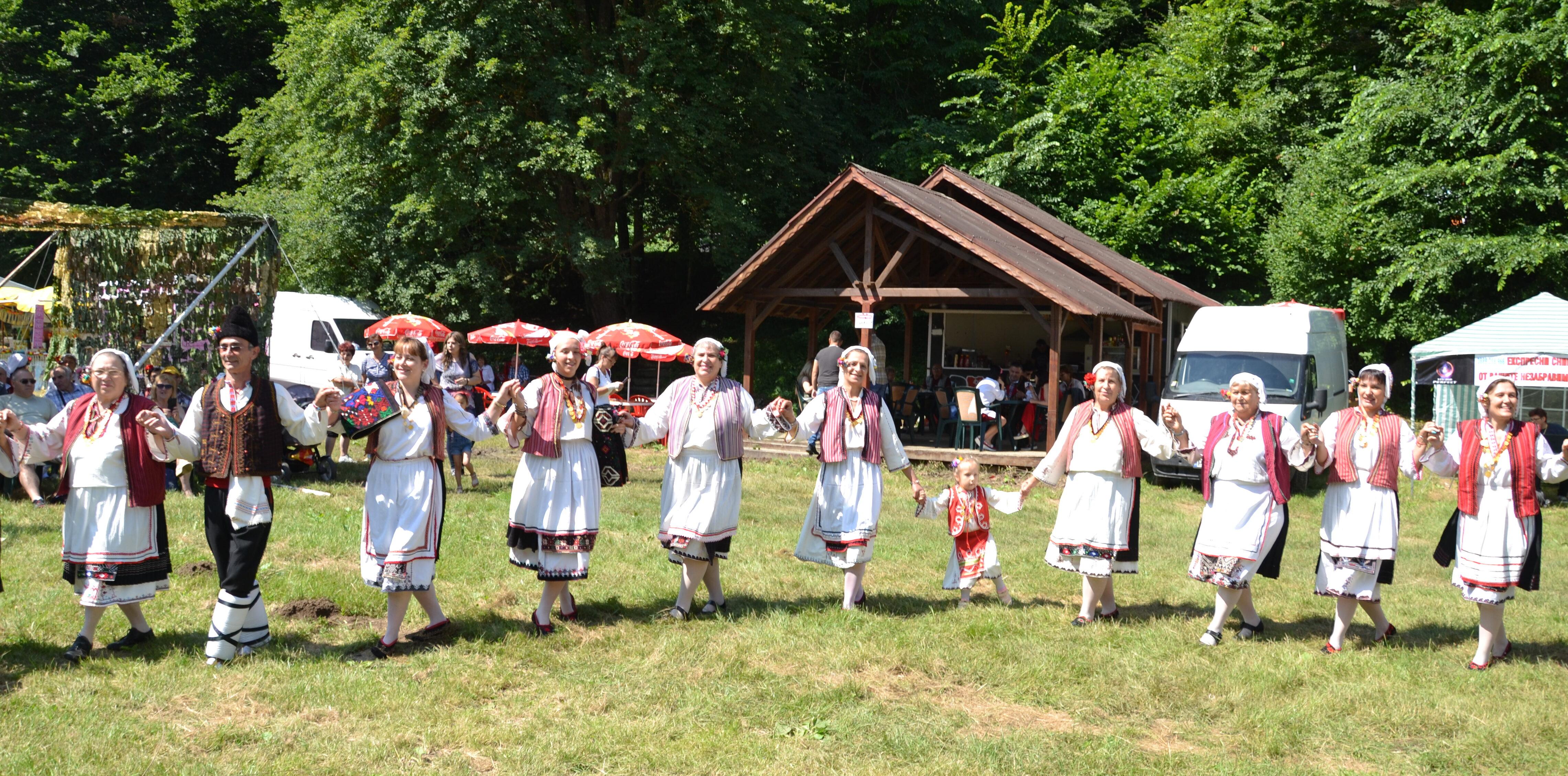1535 жители на община Разград празнуват имен ден на Герг� ...