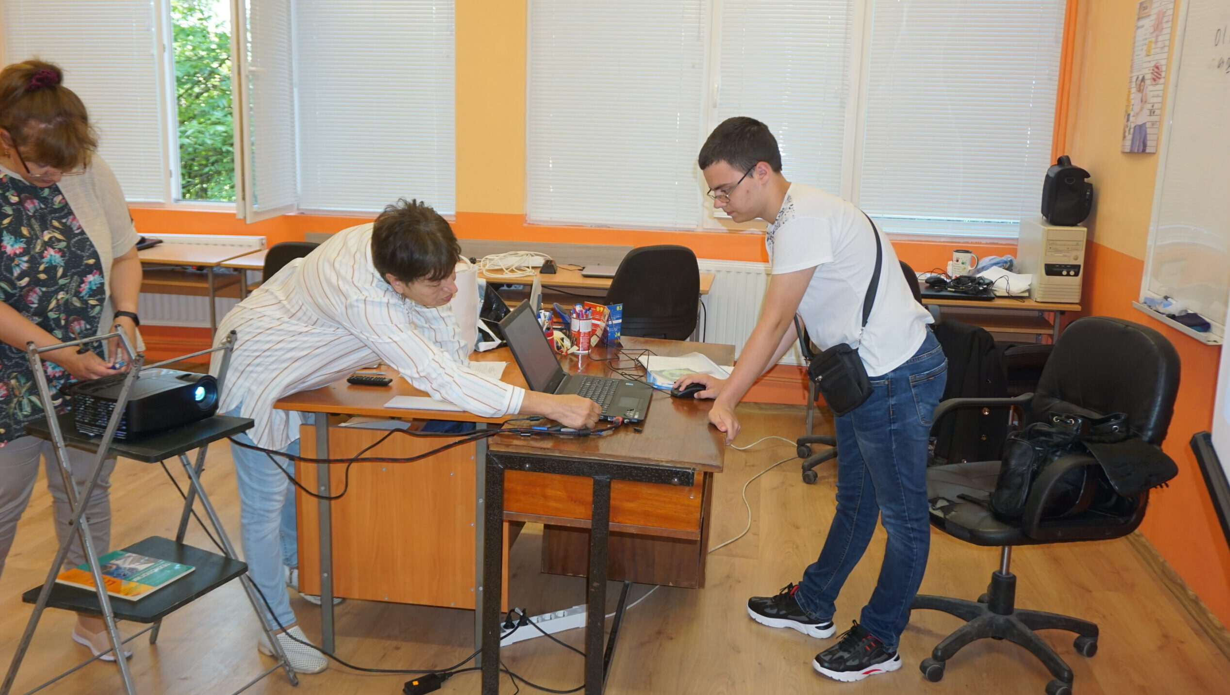 """Ученици на ППМГ """"Акад. Н. Обрешков"""" заеха първо и трет� ..."""