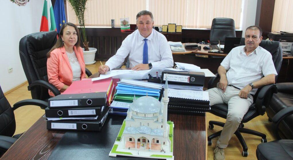 Областният управител Гюнай Хюсмен съгласува като възл ...