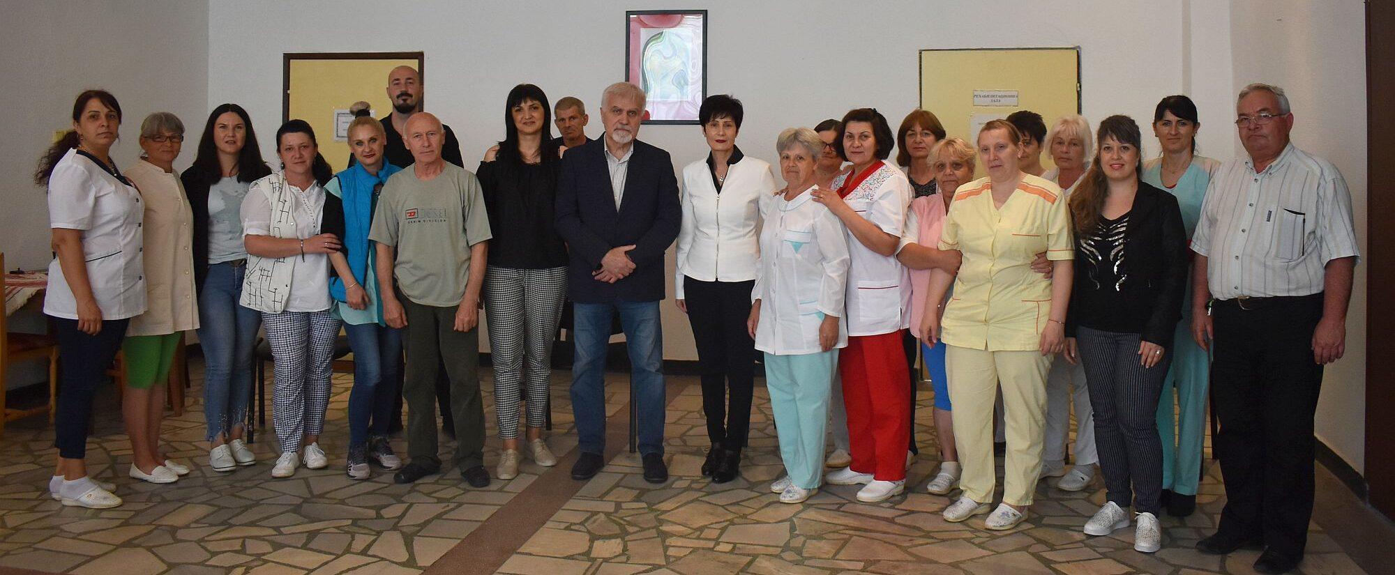 Кметът Денчо Бояджиев представи новия директор на Дом� ...