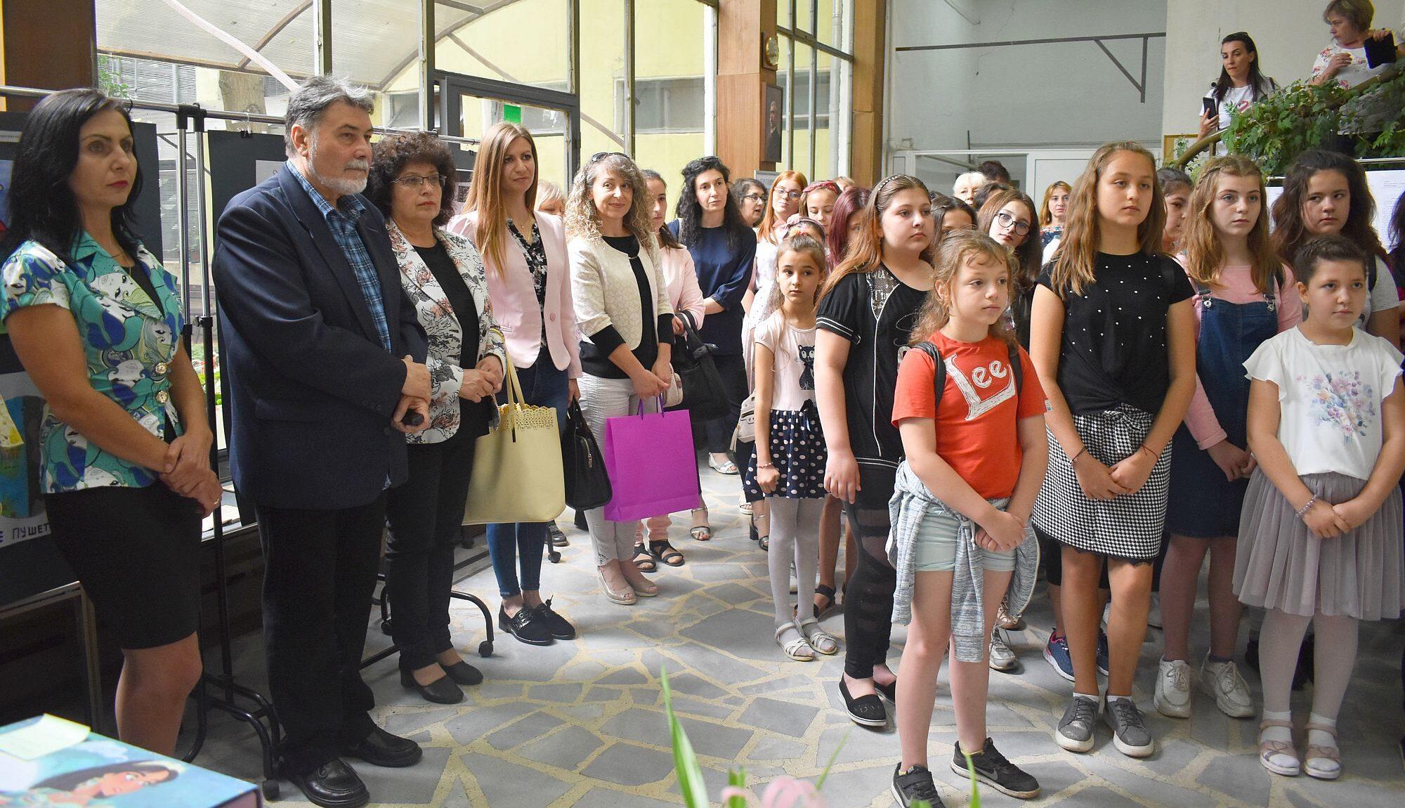 Заместник-кметът Милена Орешкова връчи наградите на п� ...