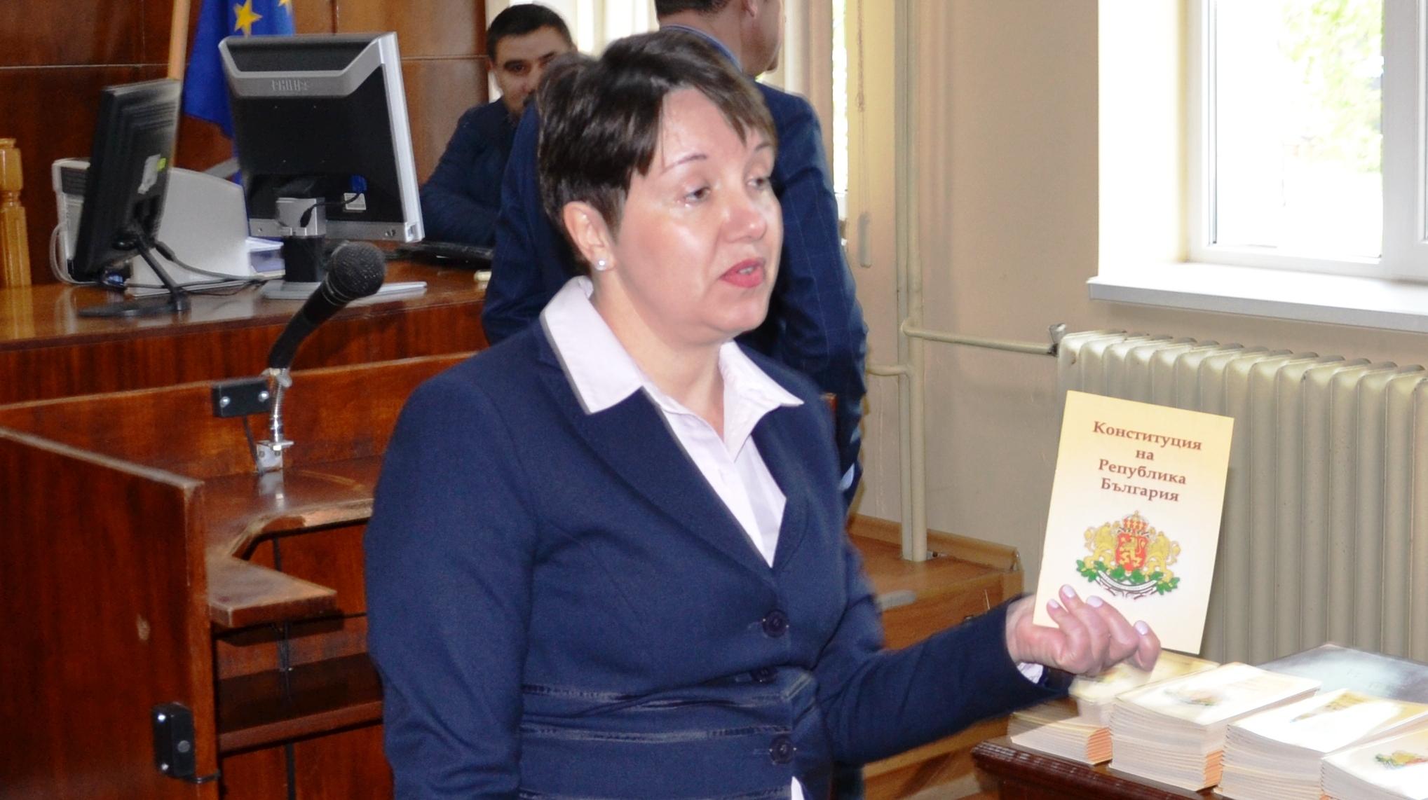 Съдия Нели Генчева ще ръководи Районния съд в Разград � ...