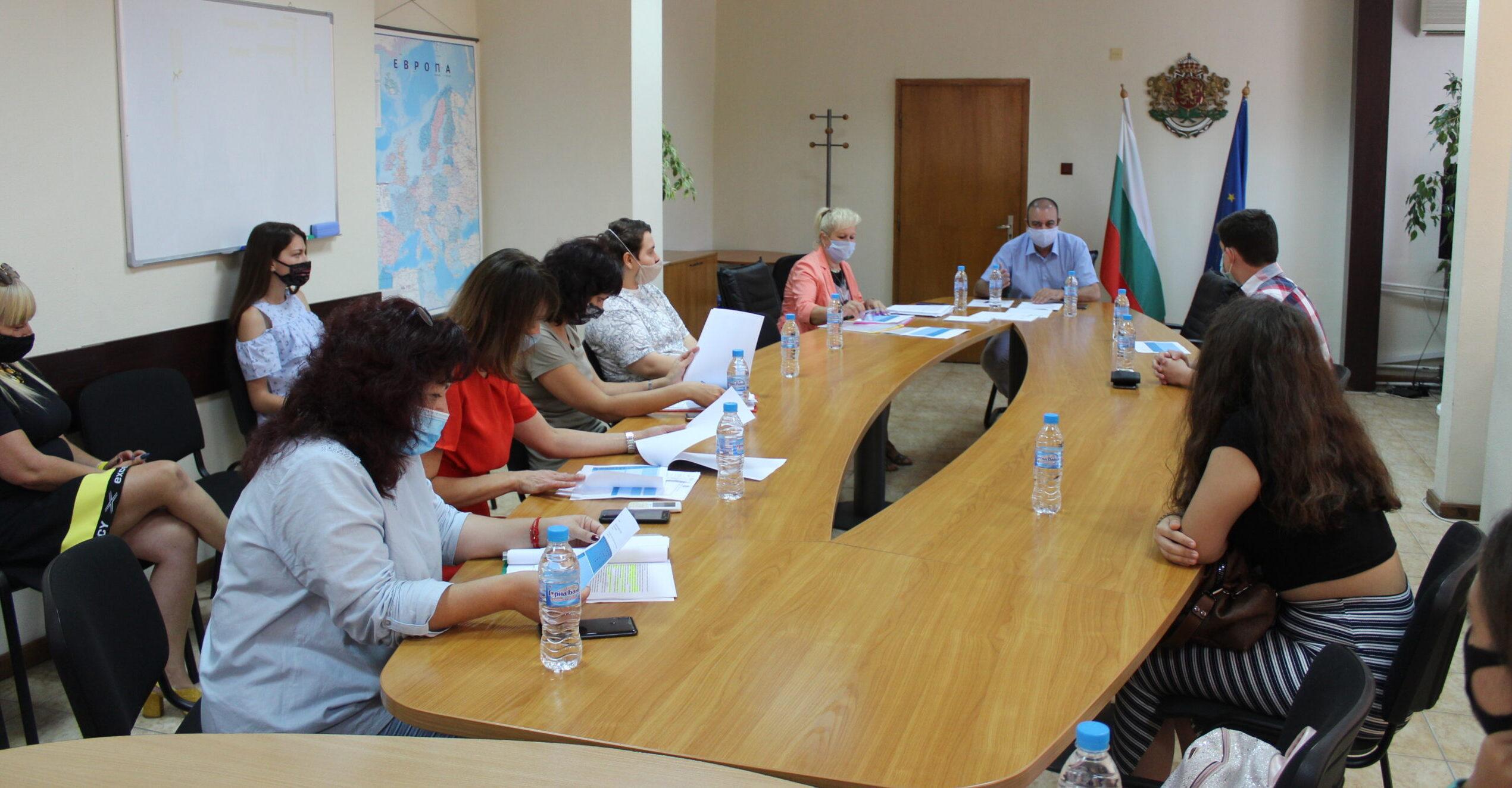 Комисия определи номинациите на Област Разград за Съв� ...