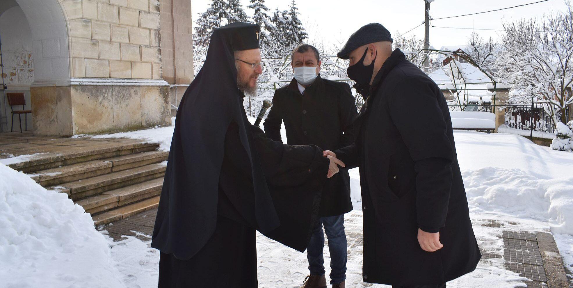 Русенският митрополит Наум отслужи празничен водосве� ...