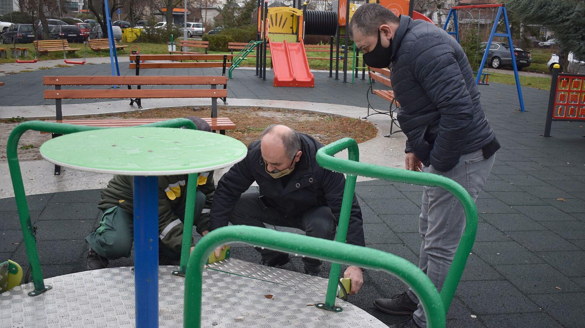 Отново посегателство над детската площадка за деца с у ...