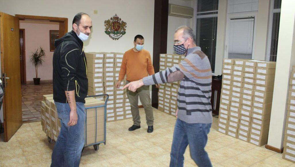 Бюлетините за вота пристигнаха в Разград