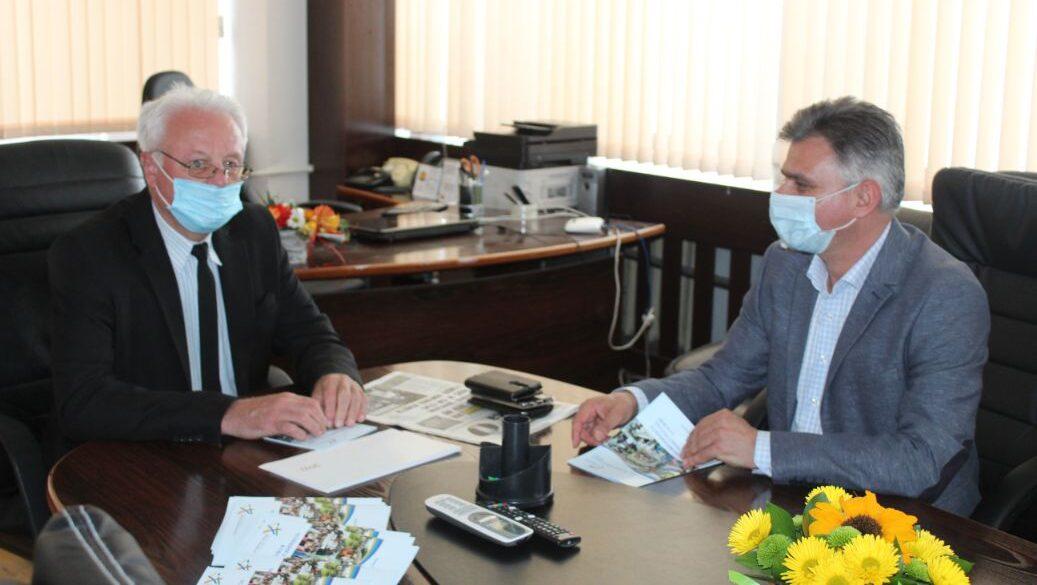 Областният управител обеща подкрепа за рециклиращо пр ...