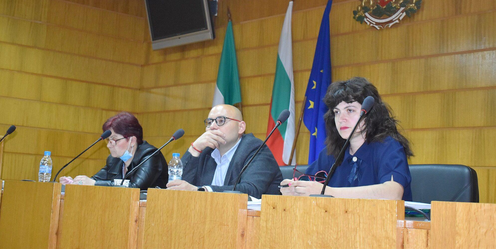 Две постоянни комисии към Общински съвет-Разград одоб� ...