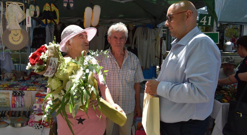 """Заместник-кметът Добрин Добрев поздрави първото """"Жив� ..."""