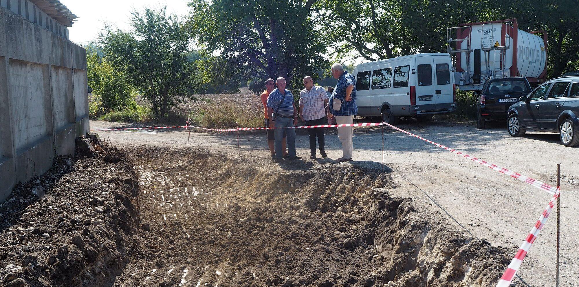 Заместник-кметът Добрин Добрев провери как върви рабо� ...