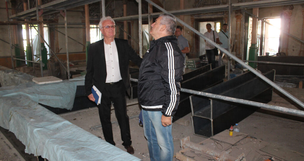 – Областният управител Иван Борисов инспектира рес� ...