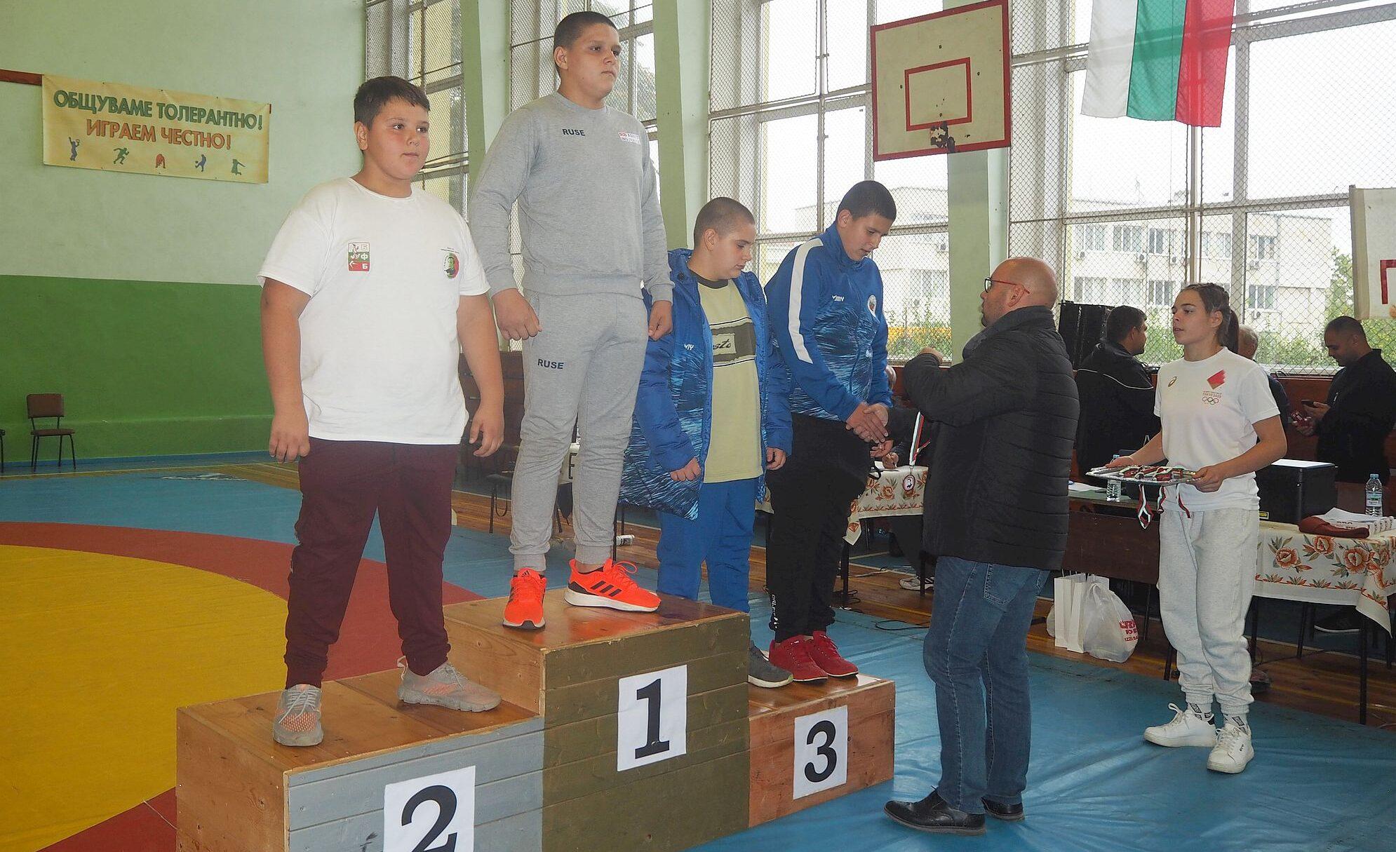 Заместник-кметът Добрин Добрев откри 24-ия турнир по бо� ...